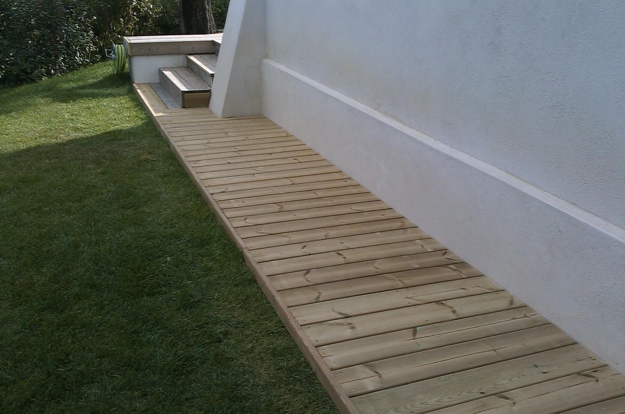 contour de piscine en bois finest terrasse contour piscine en pin trait classe iv marron sur. Black Bedroom Furniture Sets. Home Design Ideas
